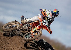 Jeffrey Herlings gewinnt den Saisonauftakt in Matterley Basin in England.